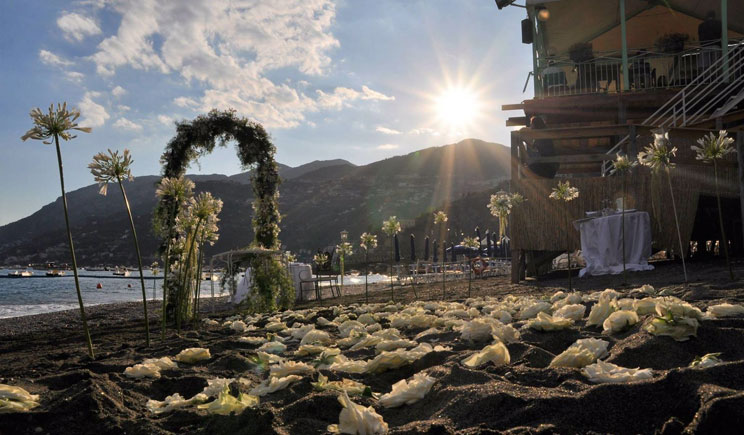 Matrimonio Spiaggia Costiera Amalfitana : Allestimento esterno